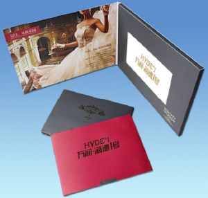 5.0′′ LCD Display Video Greeting Pamphlet Birthday Invitation Cards (VC-050) pictures & photos