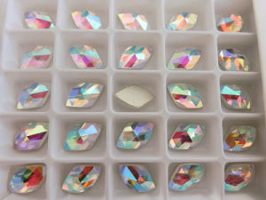 Flat Back Stones Strass Diamonds for Nail Art Design pictures & photos