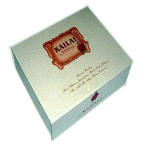Refine Design of Paper Gift Packing Box for Wine