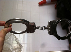 Military Carbon Steel Handcuff pictures & photos