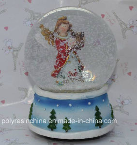 Polyresin Christmas Gifts Crafts Snow Globe Xmas Promotional Decoration pictures & photos