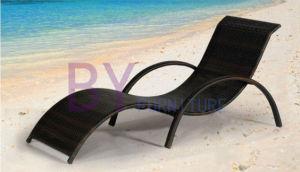 PE Rattan Fashion Wicker Sun Lounge pictures & photos