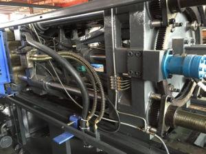 2016 Discount Pet Preform Plastic Injection Molding Machine pictures & photos