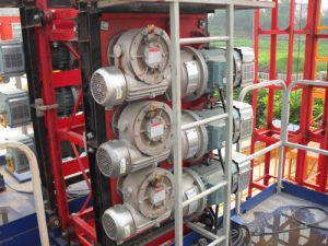 2000kg Double Cage Construction Hoist pictures & photos