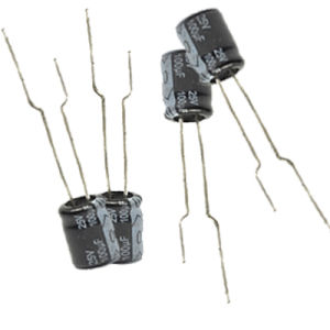 5mm Miniature Size Aluminum Electrolytic Capacitor 105c pictures & photos