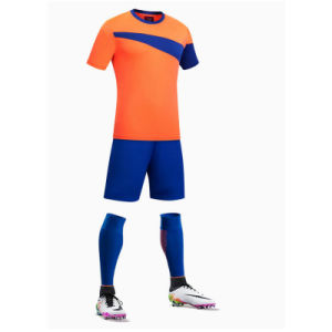 100% Polyester Man′s Short Sleeve Soccer Jersey pictures & photos