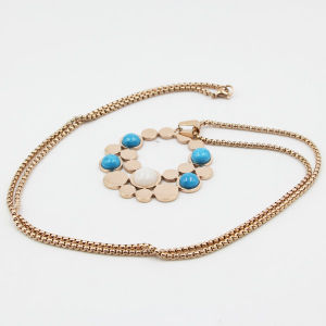 Fashion Stainless Steel Necklace Jewelry with Flower Pendant pictures & photos