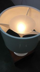 Very Contemporary Aluminium White Desk Reading Table Lamp Lighting for Living Room in Dia390mm Shade pictures & photos