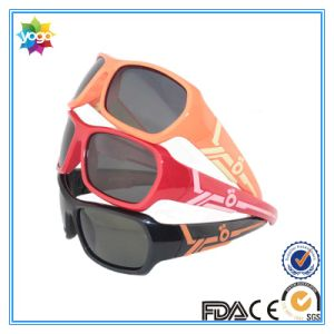 Custom Color Tpee Frame Polarized PC Lens Fashion Sunglasses pictures & photos
