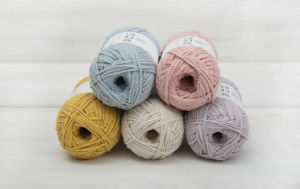 100% Silk Yarn China Factory pictures & photos