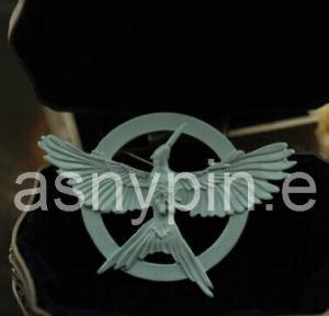 Custom Hunger Games 3 Mockingjay Metal Lapel Pin pictures & photos