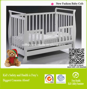 Hot Sale Pine Wooden Baby Crib/Bed/Cots pictures & photos