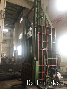 400ton Hydraulic Vertical Baler Machine pictures & photos
