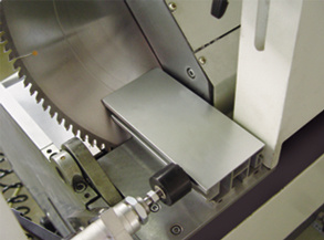Aluminum Window CNC Double Mitre Saw Cutting Machine pictures & photos