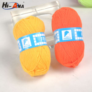 Many Self-Owned Brands Home Using Acrylic Wool Yarn pictures & photos