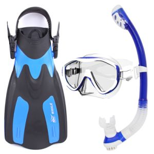 2016 Black Latest Professional Diving Masks, Snorkels, Diving Sets with Silicone Material pictures & photos
