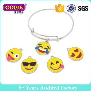Emoji Charm Expandable Wire Bangle Bracelet pictures & photos