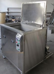 Huge Tank 1700liter Ultrasonic Cleaning Machine for Automobile Parts pictures & photos