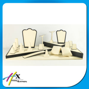Black Piano Lacquered Personalized Luxury Jewelry Display for Stores pictures & photos