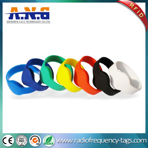 Custom Logo Printing RFID Wristbands 125kHz Tk4100 RFID Bracelet for Resort pictures & photos