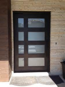 Luxury Single Frosted Glass Sliding Doors Entry Door (UID-S037) pictures & photos