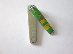 Foot Nail Clipper with Plastic Grooved Handle pictures & photos