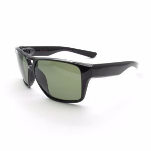 High Quality Tr8375 Comfortable Wear No Fading Sports HD Sunglasses pictures & photos