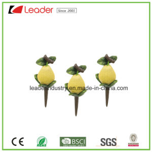 Hand-Painted Resin Garden Mini Decorative Pear Figurine for Home Decoration pictures & photos