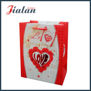 Customize 3D Red Heart Valentine′s Day Shopping Gift Paper Bag pictures & photos