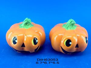 Halloween Decorative Pumpkin Salt and Pepper Shakers Set pictures & photos
