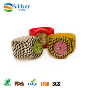 2017 Promotional Fashionable Kids Silicone Slap/Clap Band Watches