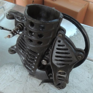 Manual Small Corn/Maize Thresher/Sheller pictures & photos