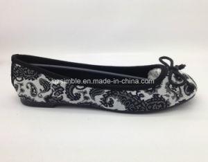 Comfortable Canvas Flat Ballet Shoes for Women pictures & photos