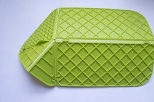 Cutting Board Plus Colander 2 in 1 Chopping Board with Integrated Strainer pictures & photos