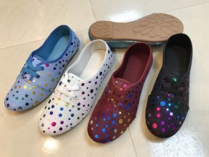 Newest Design Ladie′s Fashion PVC Shoes with Beautiful Printing pictures & photos