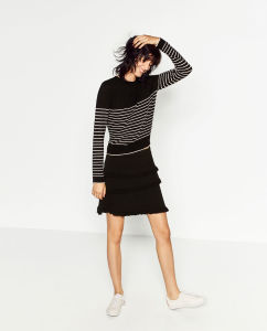 Fashioned Women Stripe Sweaters pictures & photos