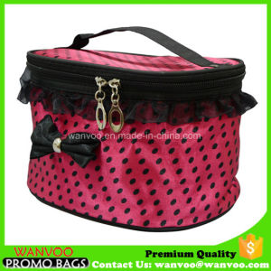 Waterproof Pink Satin Barrel Cosmetic Bag with Bowknot and Lace pictures & photos