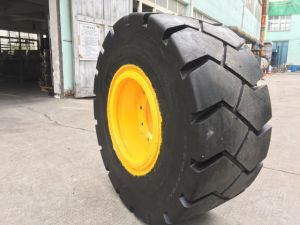 Solid Tyre for Forklift Tyres Prices of Forklift Spare Parts pictures & photos