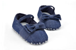 Wholesale Jean Soft Soles Lace-UPS Shoes Infant Indoor Baby Toddle Shoes pictures & photos