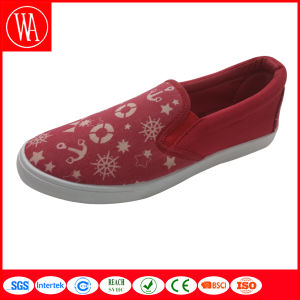 Summer Slip-on Flat Women Shoes in Leisure Style