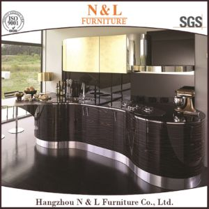 Luxury Design High Gloss Wood Veneer Home Furniture Kitchen Cabinet pictures & photos