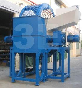 Tire Shredder/Tire Shredder Machine/Tire Recycling Machine with CE Certification pictures & photos