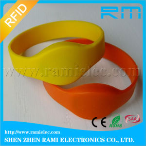 NFC Silicone Wristband Ntag215 Ntag216 for Mobile Payment pictures & photos