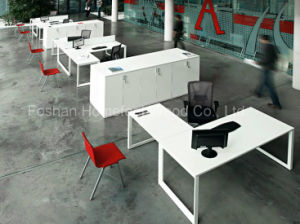 Fashionable Design Pure White L Shaped Office Desk (HF-VP04) pictures & photos