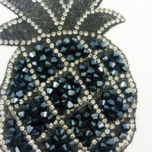 Fashion Promotion Pineapple Shape Embroidery Rhinestone Iron Patch Accessories Badge pictures & photos