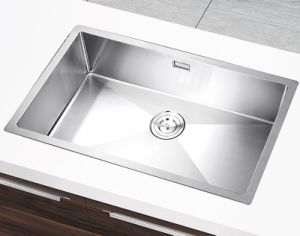 Ss304 Stainless Steel Handmade Single Bowl Kitchenware Sink (YX7545)