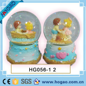 Poly Resin Love Snow Globe, Water Ball (HG151) pictures & photos