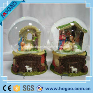 Resin Manger Snow Globe for Decoration pictures & photos