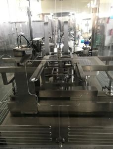 High Speed Prefillable Syringes Filling and Closing Machine (GZS 50-2N) pictures & photos