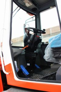 Priced 2 Ton Ce Diesel Mini Small Front End Wheel Loader with Snow Blower pictures & photos